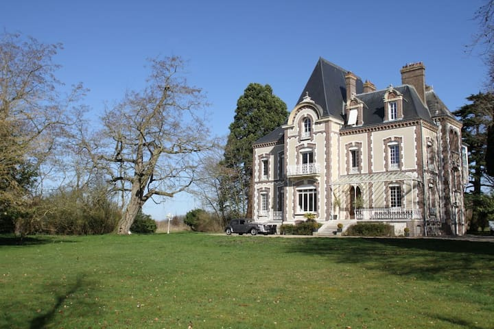 Chambre Tabarly - Trie-Château - Bed & Breakfast