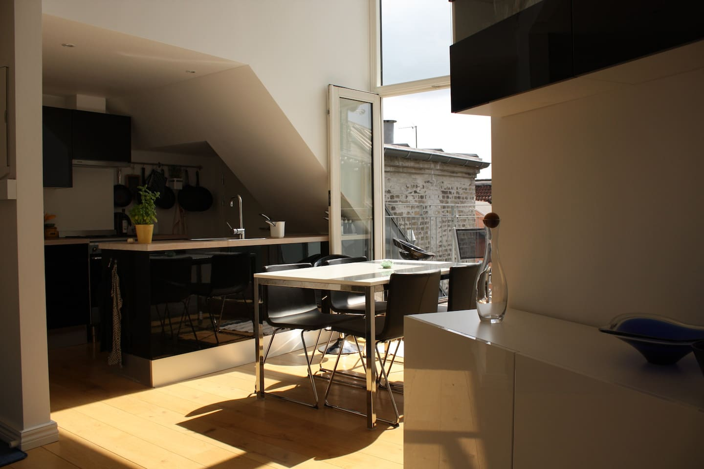 Dining area, kitchen and the main balcony