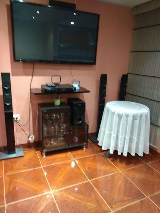 TV CABLE, EQUIPO SONIDO, DVD, BAR