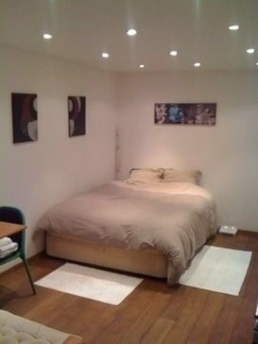 Bedroom (1 double bed, Free WiFi, table, chairs, cupboard, TV)