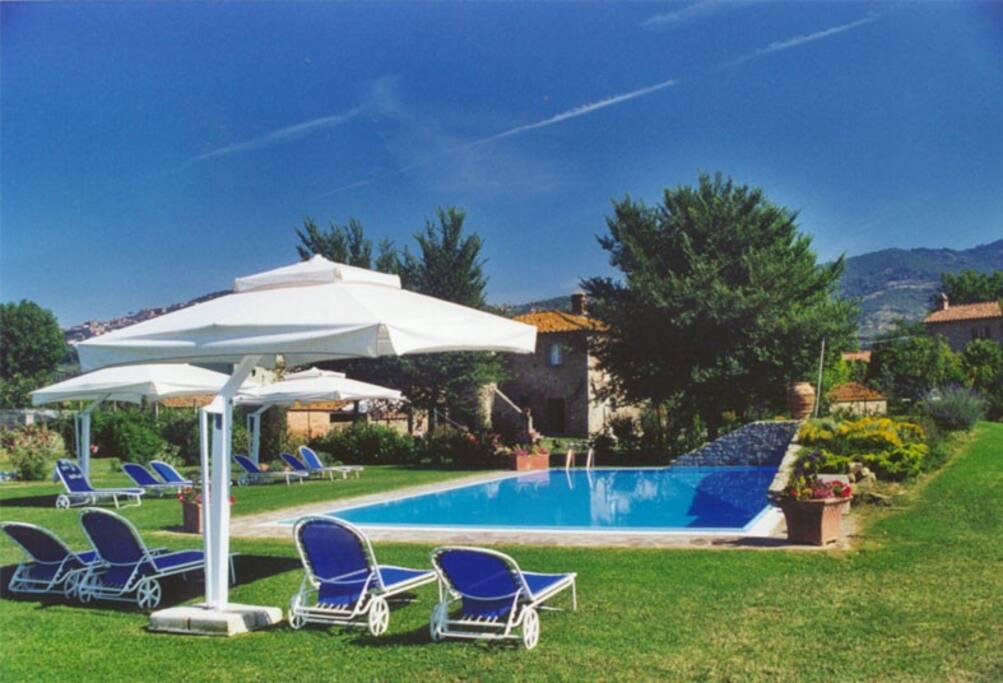 shared swimming pool at 800 m