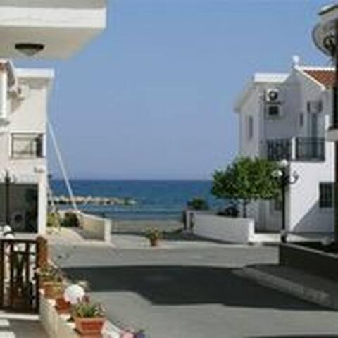 3 Bedroom Sea View Villa - Oroklini - Villa