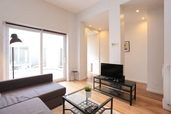 Sunny 2 bedrooms apartment in Brussels