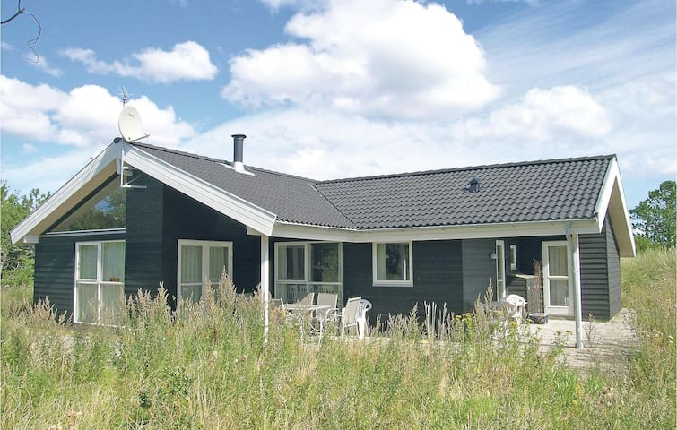 Holiday cottage with 3 bedrooms on 98 m²