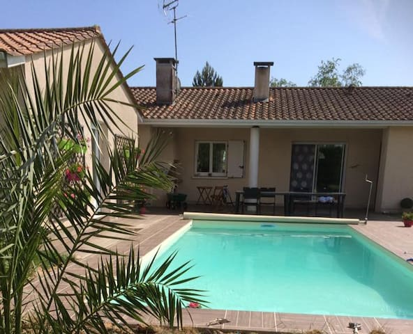 Au calme CHAMBRE PRIVEE 1à5 pers, piscine chauffée - Mazères - Casa