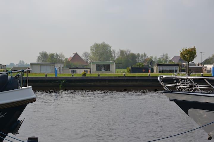 Slapen tussen de Friese Meren - Echtenerbrug - Lomamökki