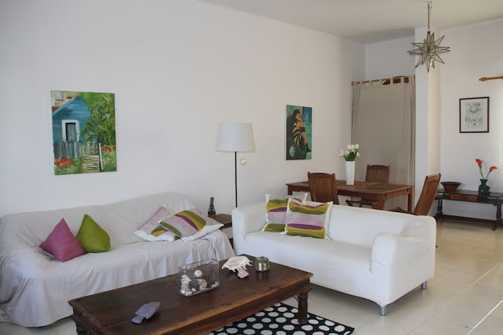 Nice Villa in Las Cucharas Beach - Costa Teguise - Huis