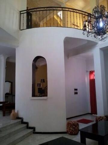 Très Belle Villa près du Méridien d'Oran