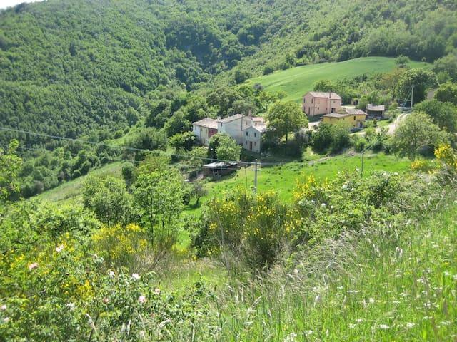 Antico Borgo nel Parco di Frasassi - Arcevia