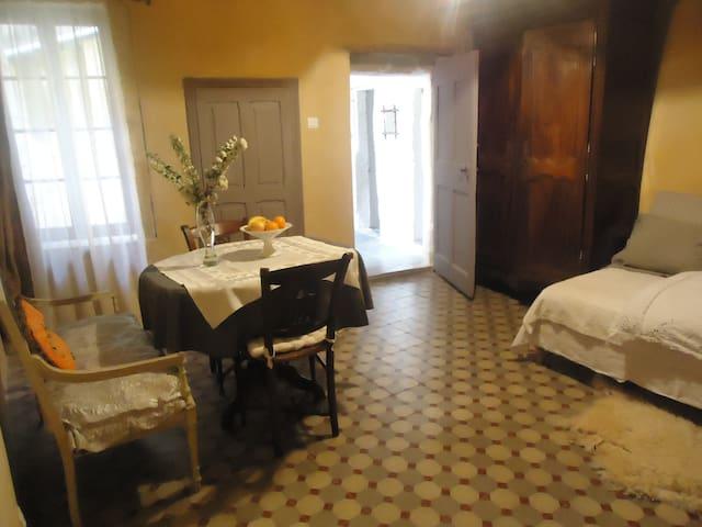 Chambre Élise prôche de la rivière