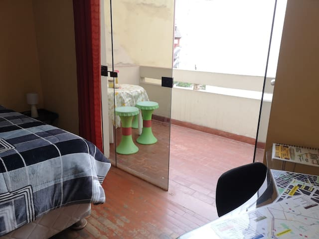 Nice, Romantic, Near Waterfront, with balcony3