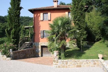 Landhaus im Grünen mit Bocciabahn-Casa in Campagna - Cormons