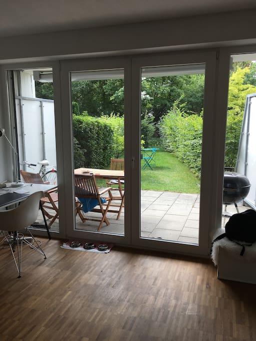 Anderes Zimmer mit Gartenzugang