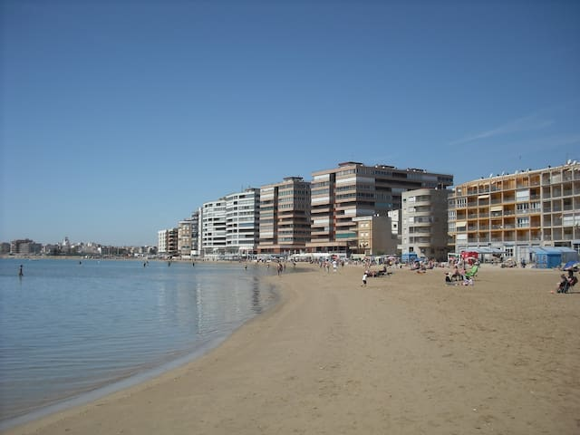 BIG FLAT AT BEACHFRONT ¡TORREVIEJA! - Torrevieja - Byt