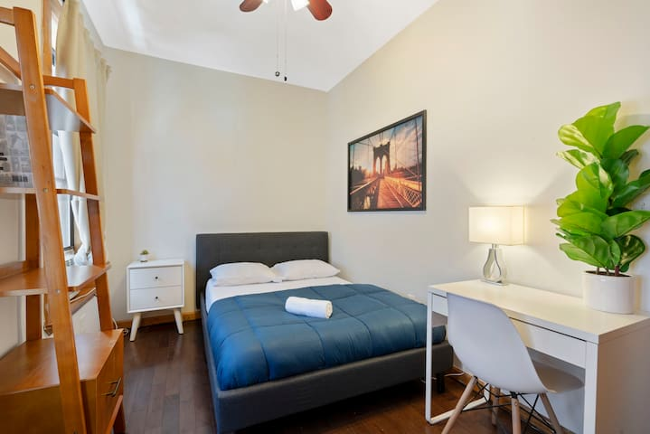 Bright 2BR Apartment in the Heart of UES