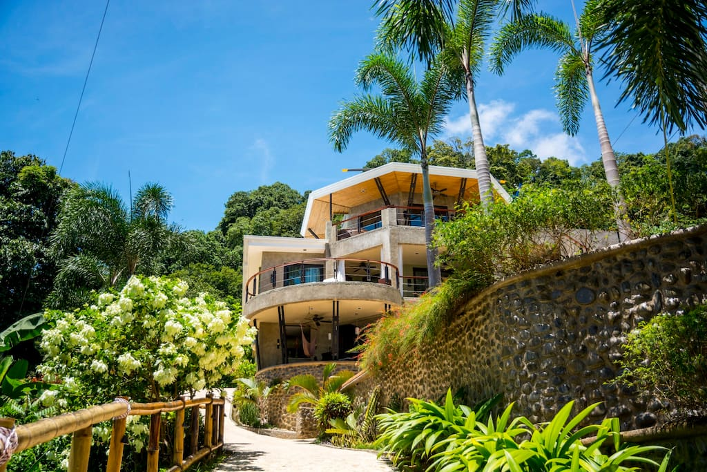 Luxury home dominical costa rica houses for rent in for Luxury rental costa rica