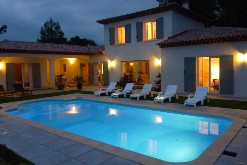 Belle piscine au calme