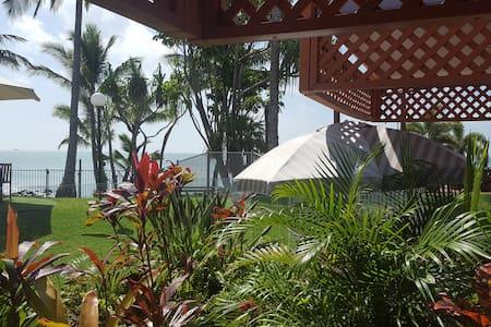 DHR U120 · 💎 Ocean Views Resort Studio @ Dolphin Heads 💎
