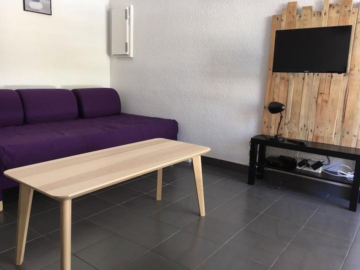Adorable studio, TV,wifi, parking,proche tram 1