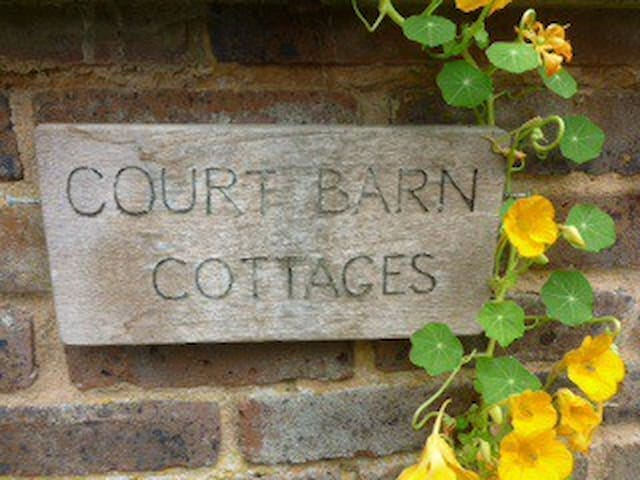 Court Barn Cottage Bed & Breakfast - Burwash - Oda + Kahvaltı