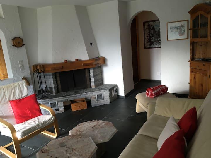 Cosy, 2 Bedroom Apartment, Falera (Surselva)