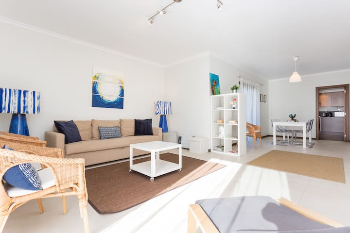 ***** Walk to the beach, Pool, 2 balconies
