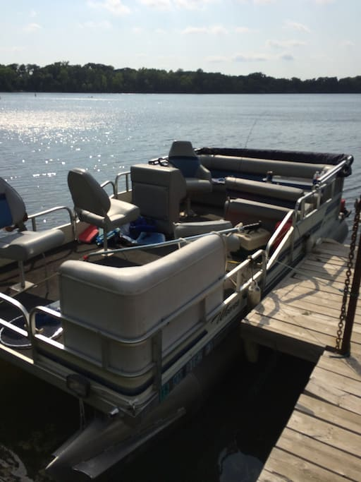 20' Pontoon available for rent.