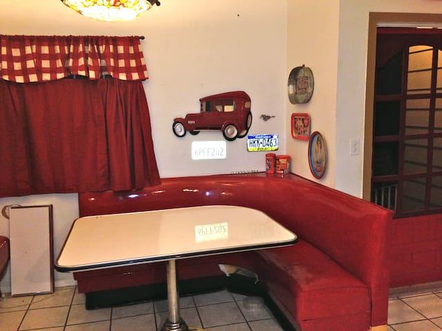 Spacious Ranch Home in LAs SFValley
