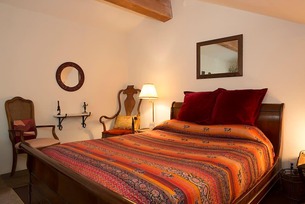 Mahogany sleigh bed, chairs, nice lighting