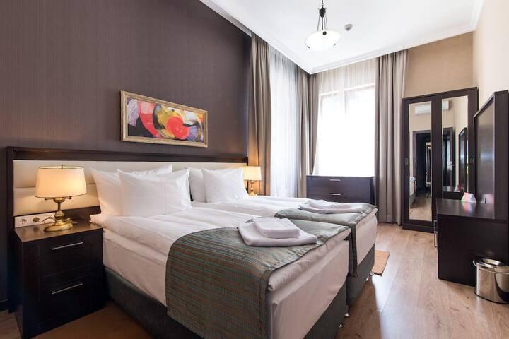 Апартаменты с кухней спальнями (подъёмник включен)