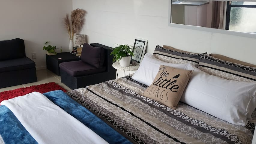 Tauranga-Breathtaking Bureta-self contained studio - Tauranga - Appartement