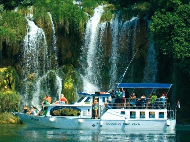 waterfall' Roski slap'