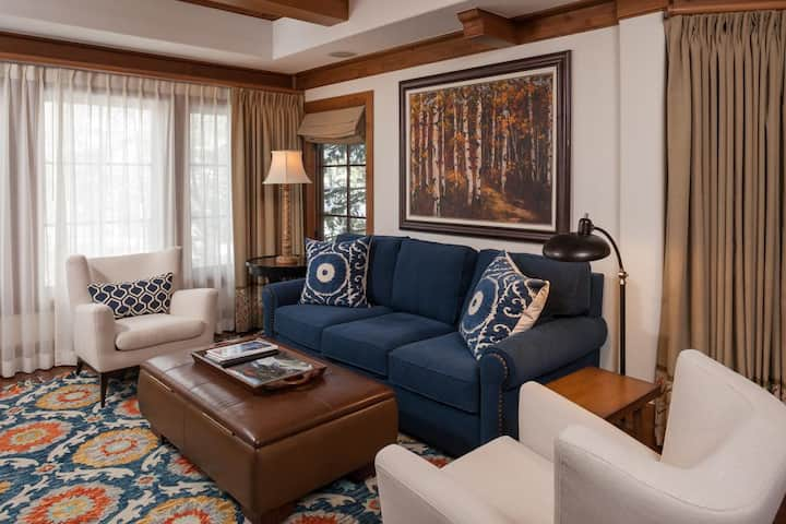 Willows 201: luxury two bedroom – premier location Vail Village