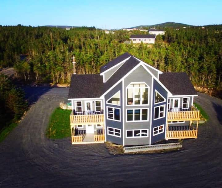 Jenna's Place, Whiteway Home with a view