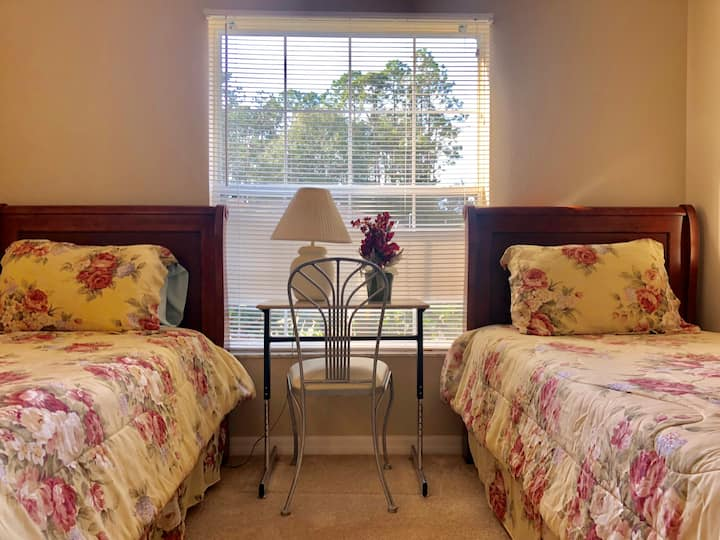 *Comfy Priv Room Near St Augustine/Daytona/Orlando