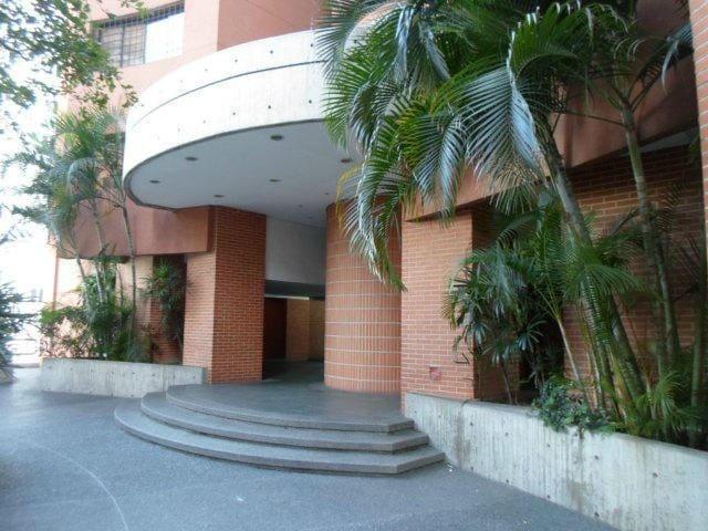 ALQUILO APARTAMENTO EN CARACAS, PLAZA VENEZUELA - Caracas - Apartment