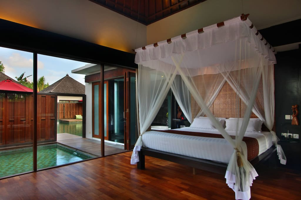 Lagoon Pool Bedroom