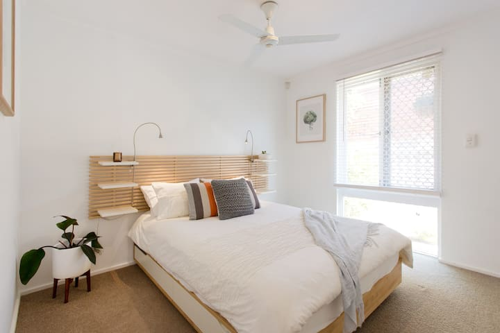 Cottage of Plenty, Private Villa- South Perth/Como