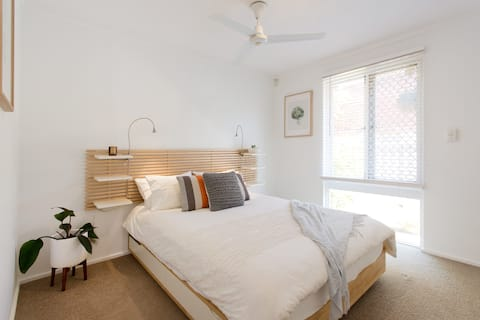 Cottage of Plenty, Private Villa- South Perth/Como
