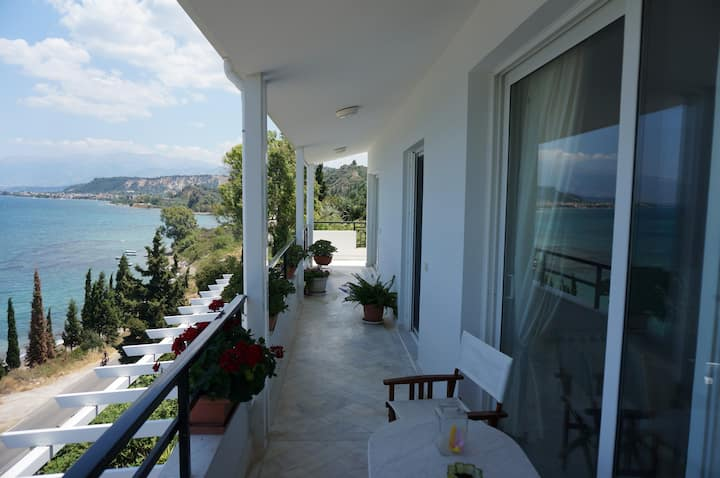 Sea Side Villa Alexandra