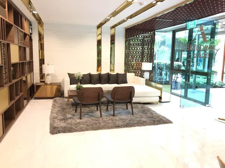 BKK 1 bedroom pool view. Walk to MRT good location