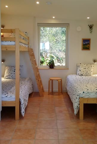 Comfortable beds 90x200 cm, all ready made up