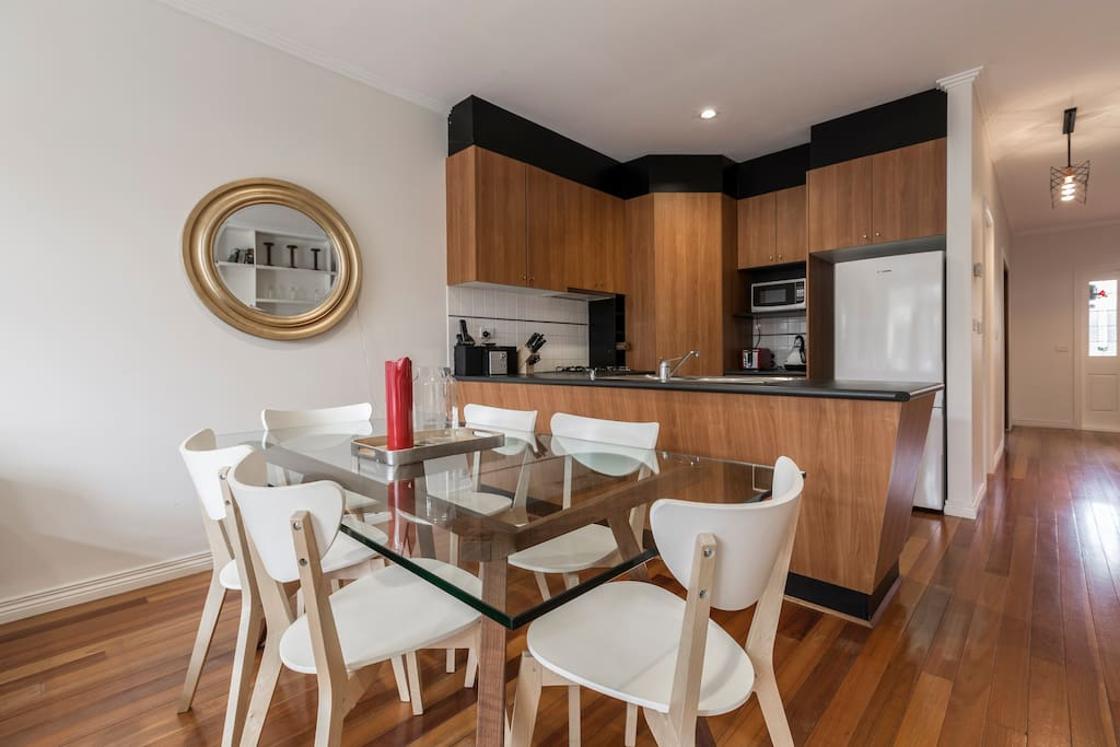 Fresh, clean dining and kitchen