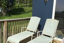 Large deck for sunbathing and grilling