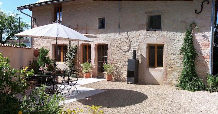 Quiet, sunny villagehouse, built in 1780