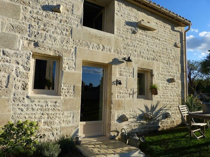 L'annexe:charmante maison rénovée