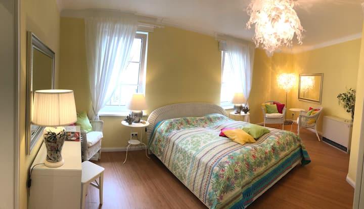 Gästezimmer 4, Bed & Kitchen Goldene Krone Thurnau