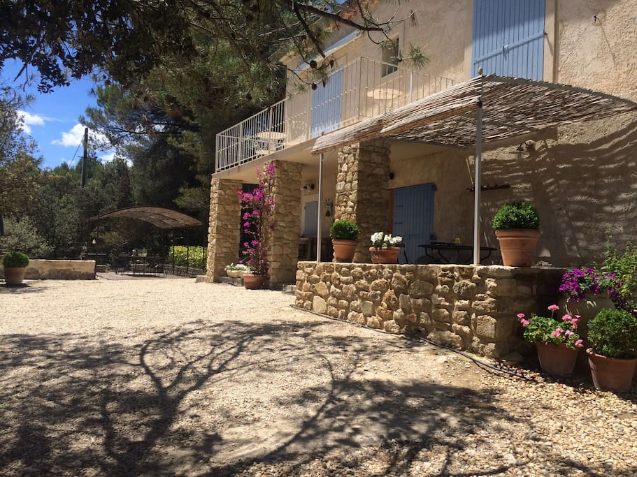 Our house is south-facing and is bathed in Provencal sun all day. Lots of shady places to eat outside.