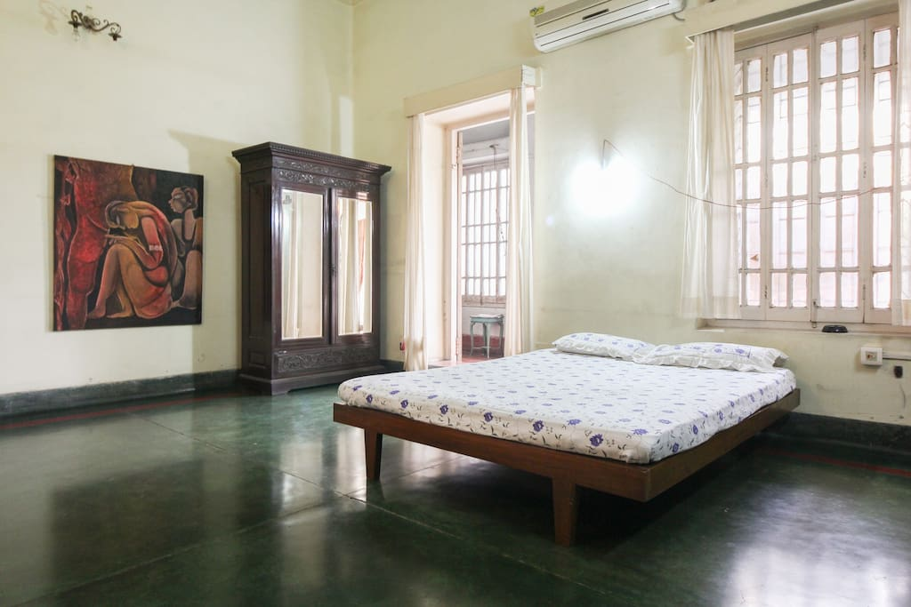 Cozy victorian style 2bd apartments for rent in kolkata for Victorian style apartment