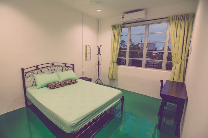 避风港 HAVEN INN (Riverview Room with Windows)